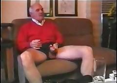 Double Penetration fucking tube - retro shaved pussy